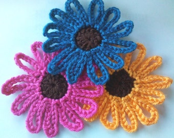 3 Handmade 3 inch Crochet Daisy Flower Appliques Sewing Bow