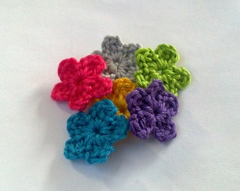 set of 6 Handmade Mini Crochet Flower Appliques Sewing Bow