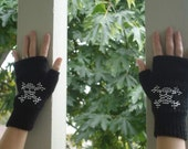 Fingerless gloves, black with knitted bead pattern, vegan, adult size small/medium