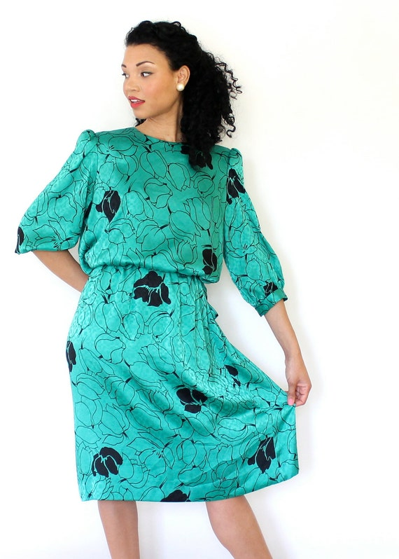 Vintage Day Dress 80s Emerald Green Floral Print w Belt Medium Large