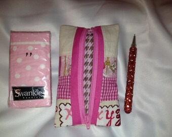 Pink Zippered Pouch Gingham Sewing Motif