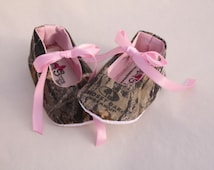 Baby girl camo, baby girl Mossy Oak shoes, baby girl shoes