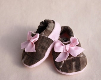 baby girl shoes Realtree camo infant shoes, soft sole crib shoes,
