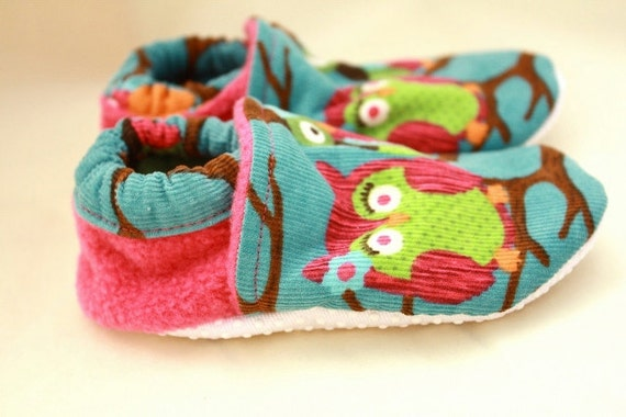 baby girl owl shoes, Ready to ship, soft sole, fleece lined