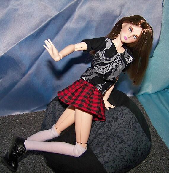 Obitsu 27cm black and red plaid pleated mini skirt