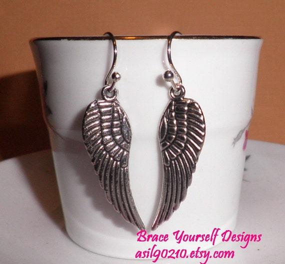 PIF    Silver  tone   Petite Dangle   Angel Wings    Earring  Pierced