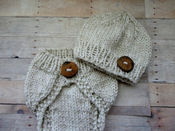 CuteNewborn Baby Knitted Diaper Cover Set in Soft Beige/Oatmeal Color Handmade Wood Button Photo Prop Vintage Style Shabby Chic