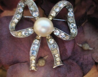 Clear Rhinestone and Faux Pearl Bow Brooch