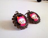 Hungry Cat cameo dangle earrings