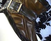 Steampunk fashion neck corset brown leatherette brass buckles
