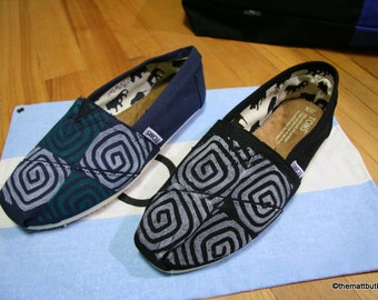 Spiral TOMS shoes