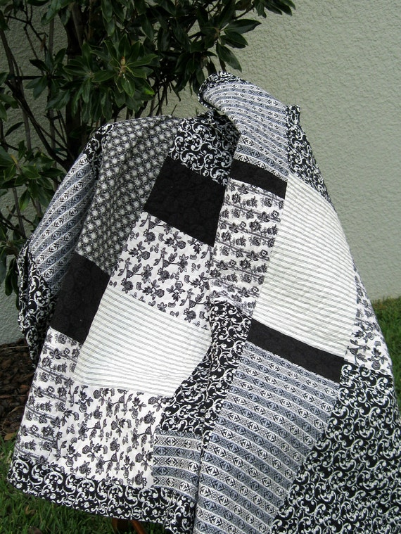 Description: Black/White - Modern/Contemporary Quilt
