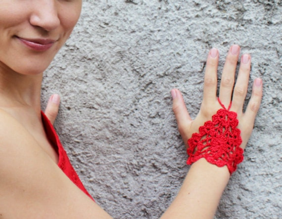 Red Crochet Lace Gloves, Fingerless, Hand jewelry, Gothic, Classic, Victorian, Sexy, Lolita, Yoga, Bracelet , Dance, Steampunk, Wedding