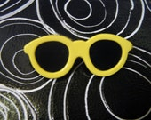 Retro Fashion Pin Miniature Yellow Sunglasses Brooch 80s