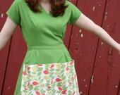 Gardening Apron/Gardening Smock - Green Linen - Size MEDIUM - Farm Girl