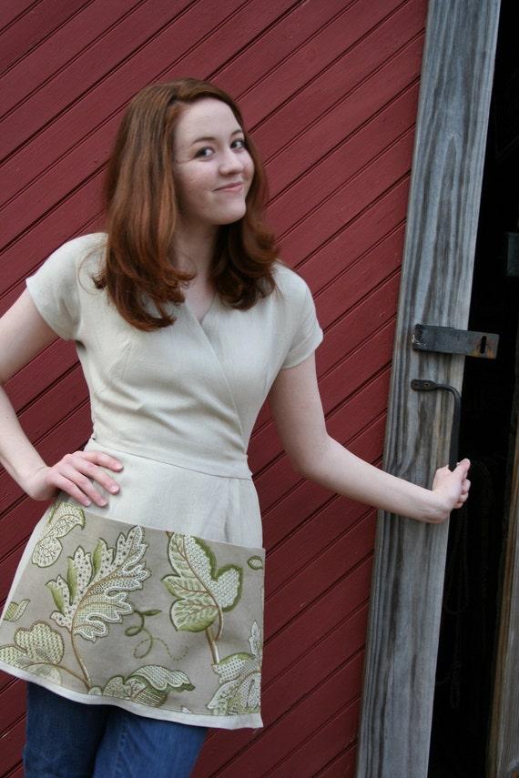 Linen Gardening Smock/Gardening Apron - Farmhouse Style - Size SMALL - Farm Girl