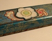Vintage Design Pencil Box