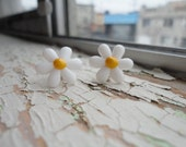 Mod Daisy Post Earrings