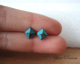 Rock N Roll and Punk  Pyramid earrings stud style - Color Turquoise Teal Blue Patina Verdigris