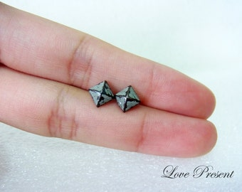 Rock N Roll and Punk  Pyramid earrings stud style - Color Dirty Grey Patina Verdigris