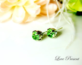 Swarovski Crystal Stud Typical 1.25 Carat Pierced Earrings - Bridesmaid Gift. Simple Modern Jewelry - Color Peridot for August