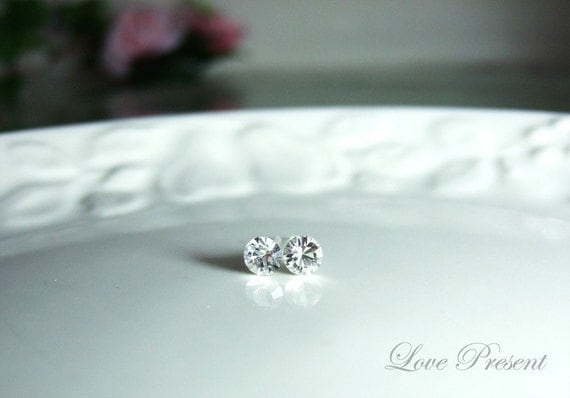 Classic Simple Chic Swarovski Crystal earrings stud style (Anti-Allergy base) (Custom Made) - Special Opening Sale