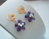 GEMSTONE  Purple African Amethyst swirl flower hammered brass post pearring 1 pair