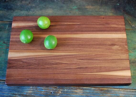 Large walnut edge grain cutting board. 20 x 12.75 x 1.5