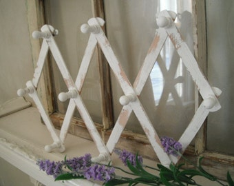 painted peg rack accordion rack jewelry hooks wooden jewelry organizer scarf holder belt holder rustic rack white wood rack shabby cottage