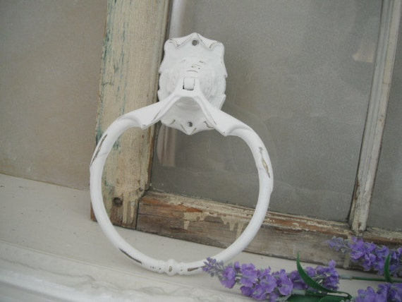 Towel ring towel holder shabby chic hand towel ring painted for Shabby chic towel stand