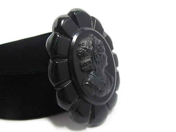 Classic Vintage Black Cameo Brooch