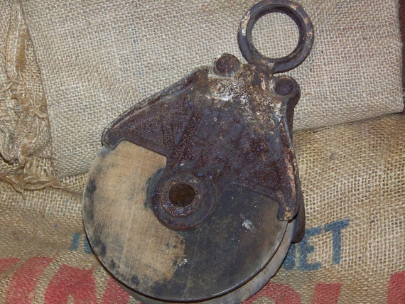 INDUSTRIAL Farm Chic Barn Metal Pulley with Wooden Wheel COOL No.2