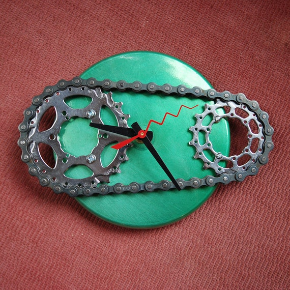 Eat Your Peas Double Sprocket Clock