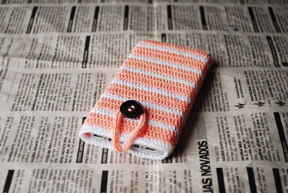 iPhone 4, iPhone 4S case cover sleeve handmade crochet, peach and white