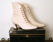 vintage deadstock GRANNY BOOTS nine west IVORY victorian prairie witch 7m