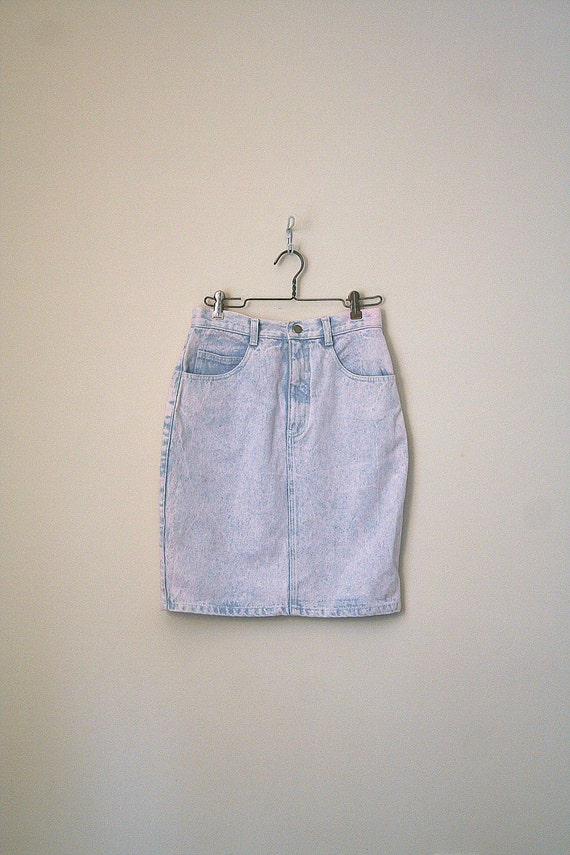 vintage acid wash denim skirt retro high waisted by ageofmint