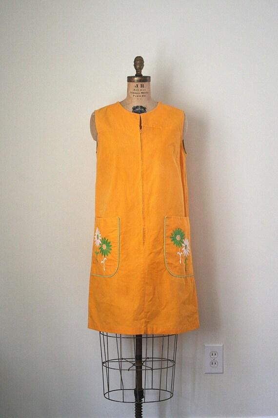 vintage dress / sleeveless - shift - housecoat SUNSHINE yellow-orange 1960's MOD summer