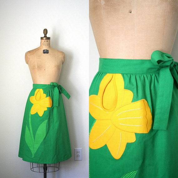 vintage wrap skirt PREPPY kelly green & yellow DAFFODIL APPLIQUE 1980's retro