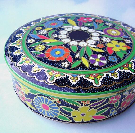 Multicolored decorative tin