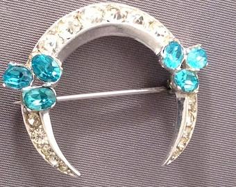 Jolle Rhinestone Crescent Brooch jewelry