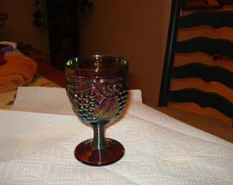 Stunning AMETHYST CARNIVAL GLASS Mid Century vintage intricate Goblet - A Beauty