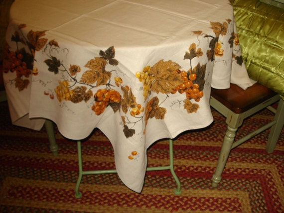 Fall Has Come To Stay: Perfect Vintage Mid Century Signed LUTHER TRAVIS 1950's LINEN Tablecloth - Treasury Item X2