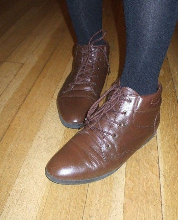 Brown Leather Lace up Granny Boots- Early 90's - size 7