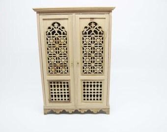 Miniature dollhouse furniture  cabinet undecorated - code VMJ 2055
