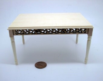 Miniature dollhouse furniture undecorated table - code  VMJ 3008