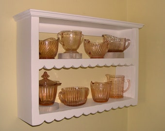 Scallop Prim Wall Shelf  14 1/2-in H - Distressed Finish Painted Pine Shelf