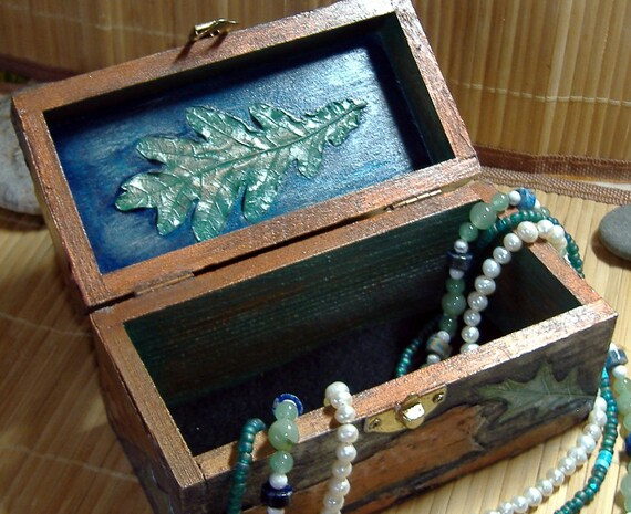 Jewelry Box Oak leaf, birch bark and lichen