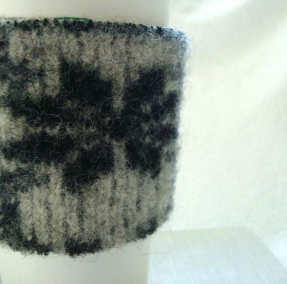 Coffee Cozy BLACK SNOWFLAKE Nordic Sweater Wool Cosy