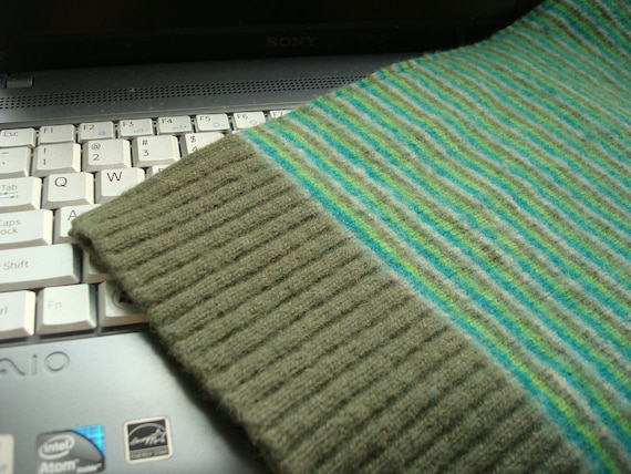 Netbook iPad Cover GREEN STRIPES Sleeve Case WormeWoole