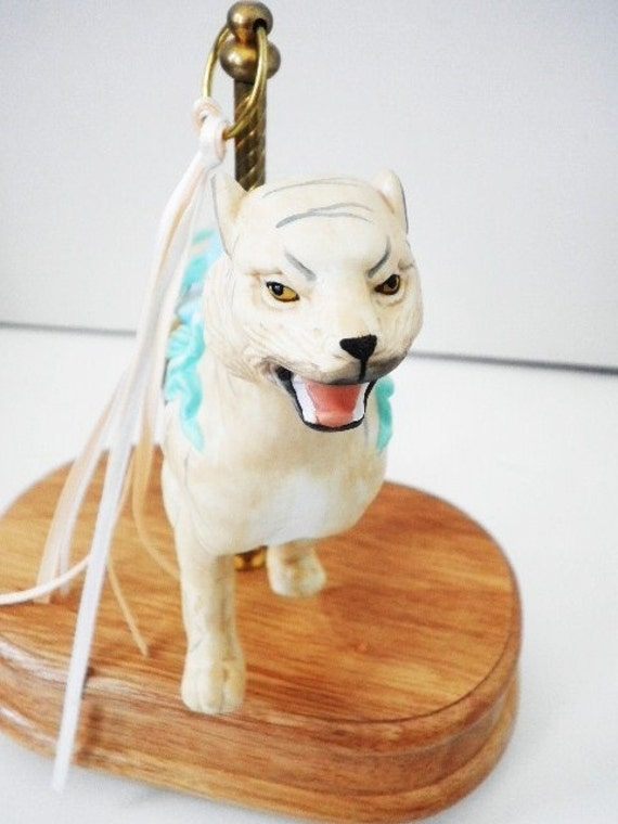 Carousel Tiger Music Box Plays When You Wish Upon A Star